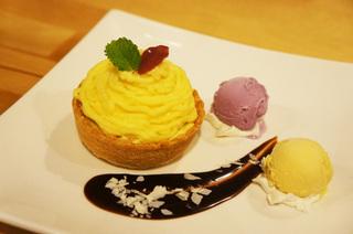 お芋のモンブランタルト.jpg
